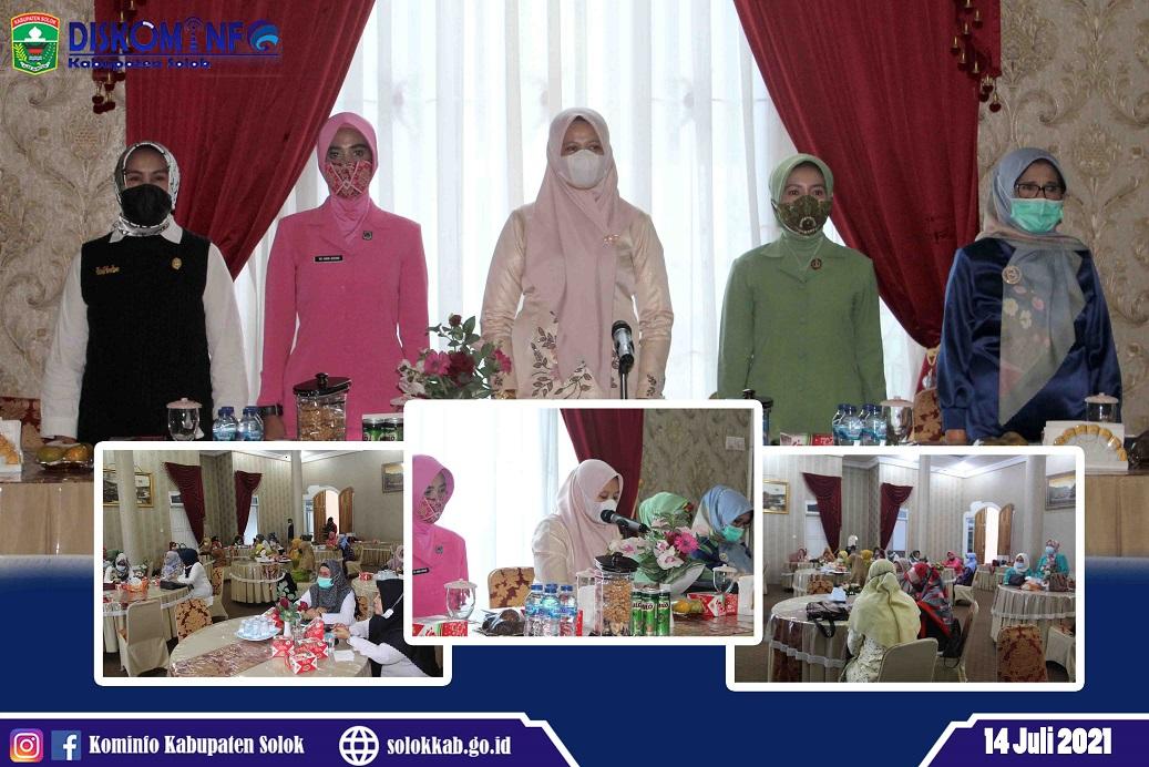 Ny. Nia Jon F Pandu Buka Acara Pra-Musda GOW Kabupaten Solok Tahun 2021
