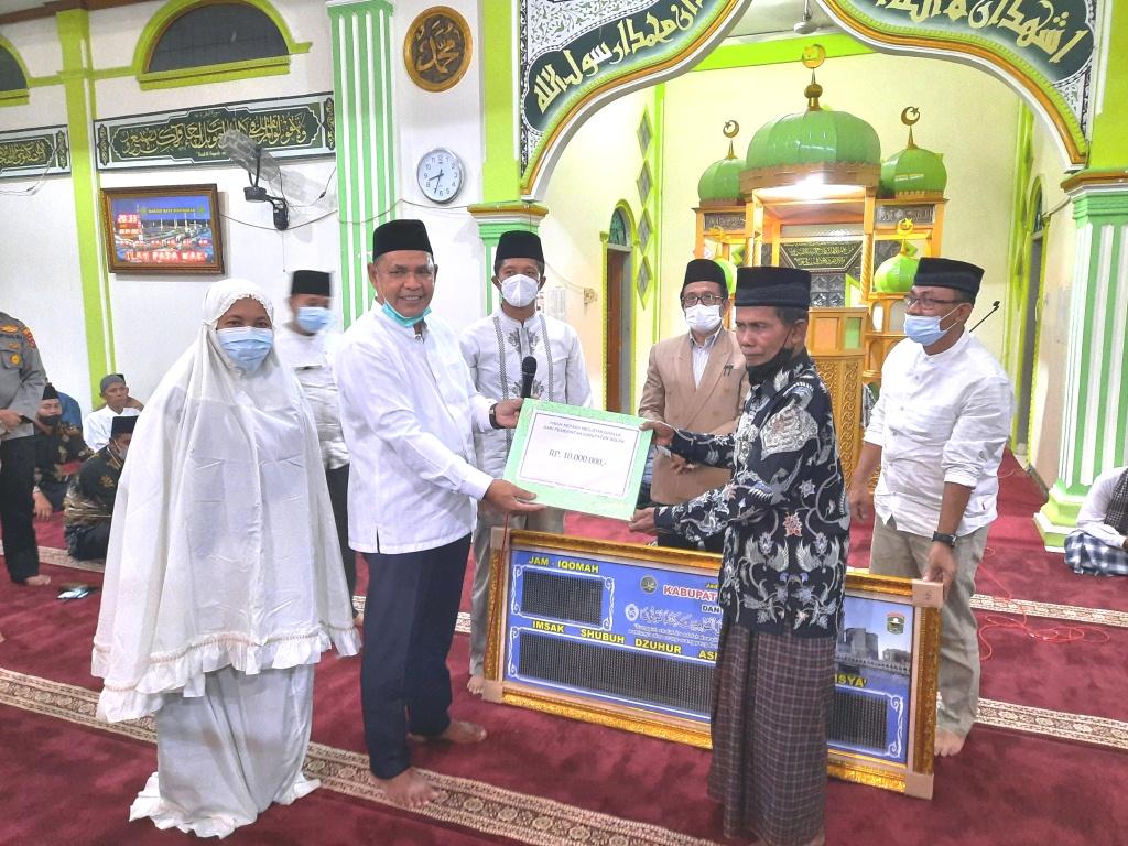 Perdana, Bupati  Solok Bersama Tim Safari Ramadhan Sambangi Mesjid Raya Singkarak