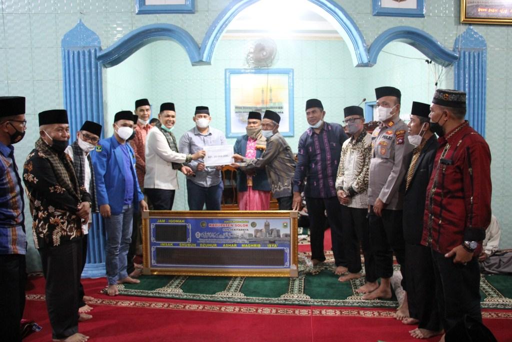 Bupati Solok beserta TSR Kabupaten Solok Sambangi Mesjid Nurul Yaqin Guguak